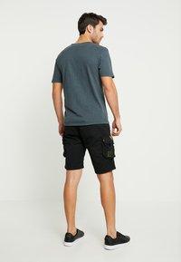 Alpha Industries - CREW PATCH  - Shorts - black - 2
