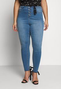 Missguided Plus - BUTTON FRONT LAWLESS - Jeans Skinny Fit - blue - 0