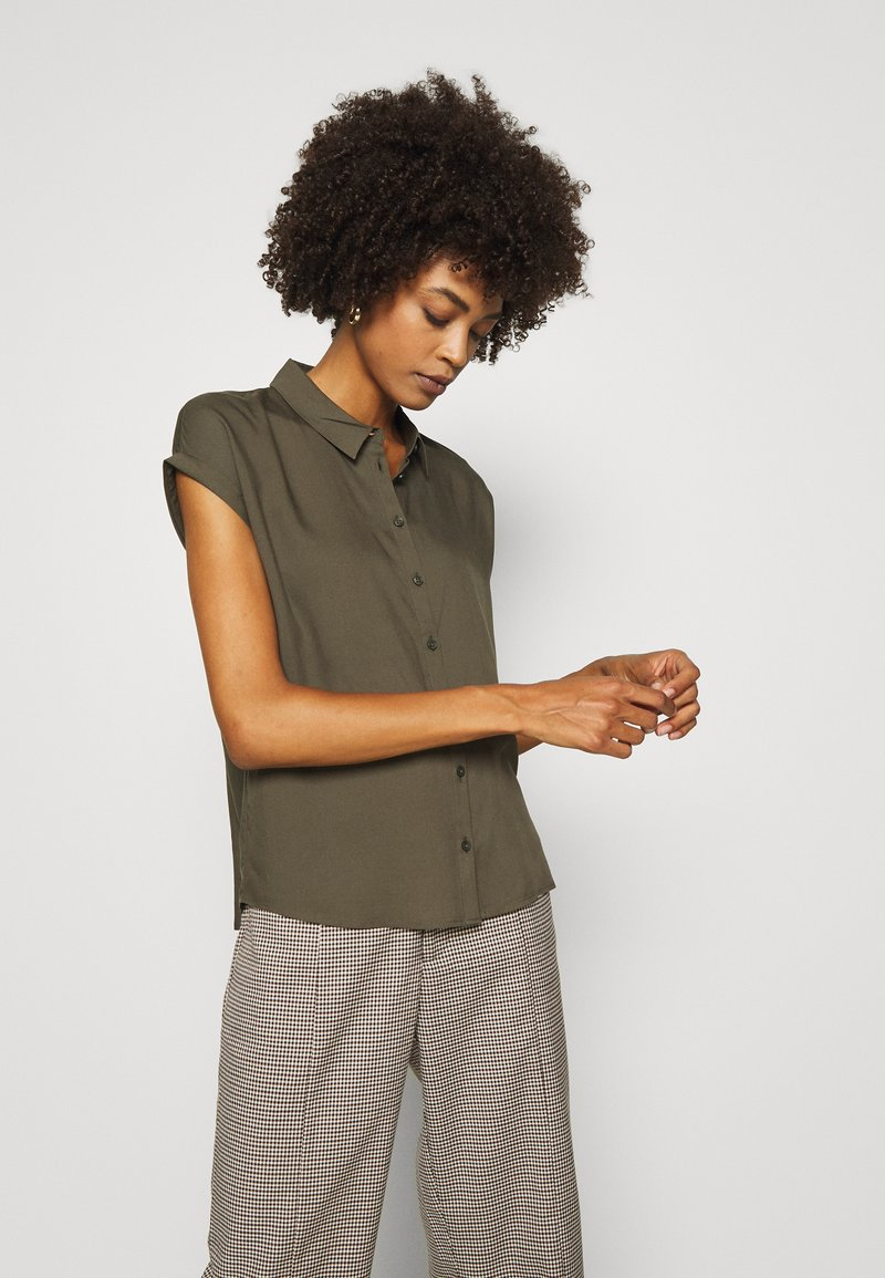 comma - KURZARM - Button-down blouse - khaki