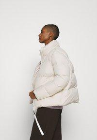Marc O'Polo - PUFFER JACKET SHORT STAND UP COLLAR ZIPP - Down jacket - birch white - 4