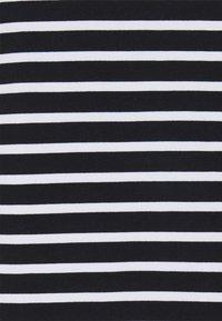 Tommy Hilfiger Curve - REGULAR FLAG HOODIE - Sweatshirt - desert sky/white - 2