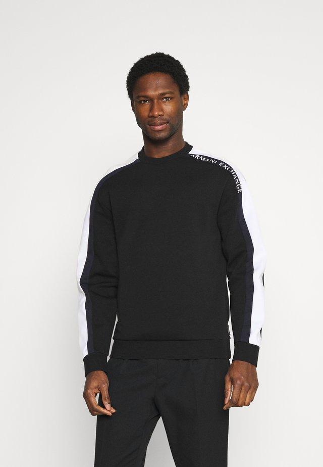 Pitkähihainen paita - black/white