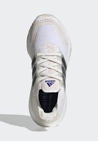 adidas Performance - Zapatillas de running estables - white - 4