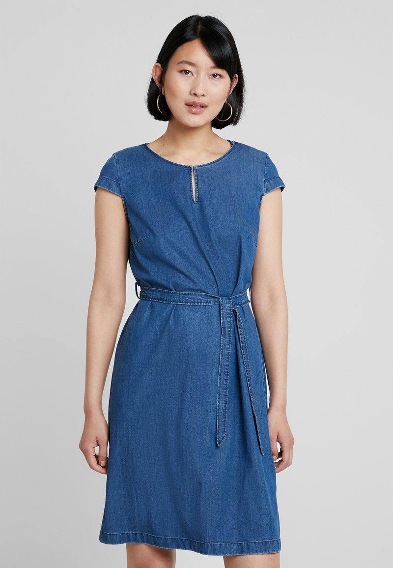 Betty & Co - KURZ - Denim dress - blue denim