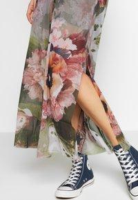 Desigual - VEST ARLES - Maxi šaty - green - 3