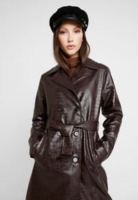Dorothy Perkins - CROC - Trench - choc - 3