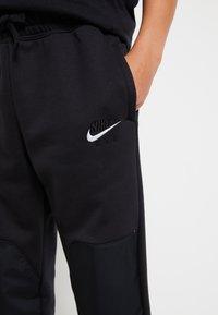 Nike Sportswear - AIR - Trainingsbroek - black/white - 5
