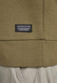 Jack & Jones - JCOBUTTON - Sweat à capuche - kangaroo - 6