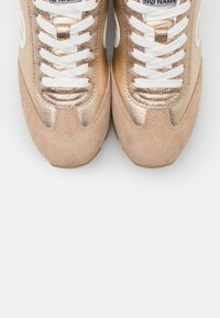No Name - CITY RUN JOGGER - Trainers - sand/gold - 5