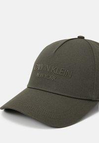 Calvin Klein - UNISEX - Cap - green - 4