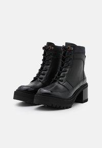 See by Chloé - Šněrovací kotníkové boty - black - 1