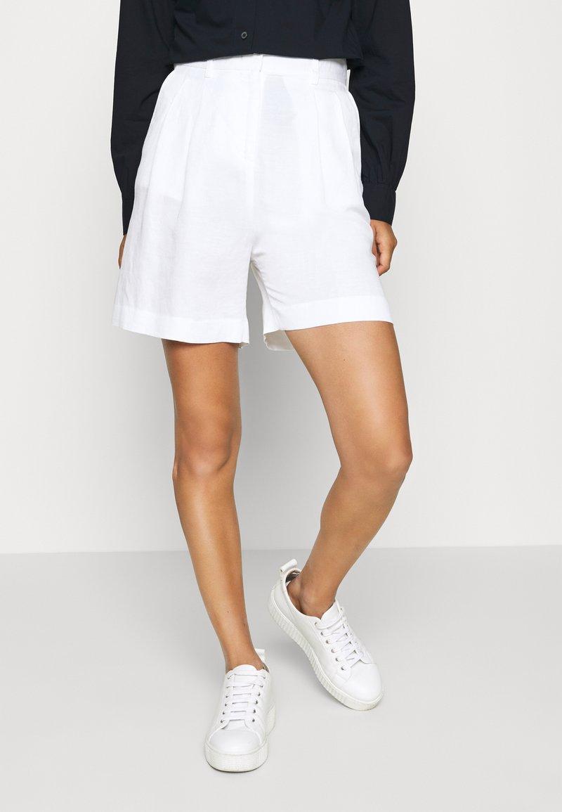 Tommy Hilfiger - Shorts - white