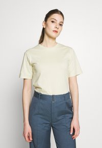 Filippa K - CREW NECK TEE - T-shirt basic - faded yellow - 0