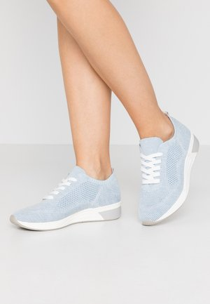 Baskets basses - bleu