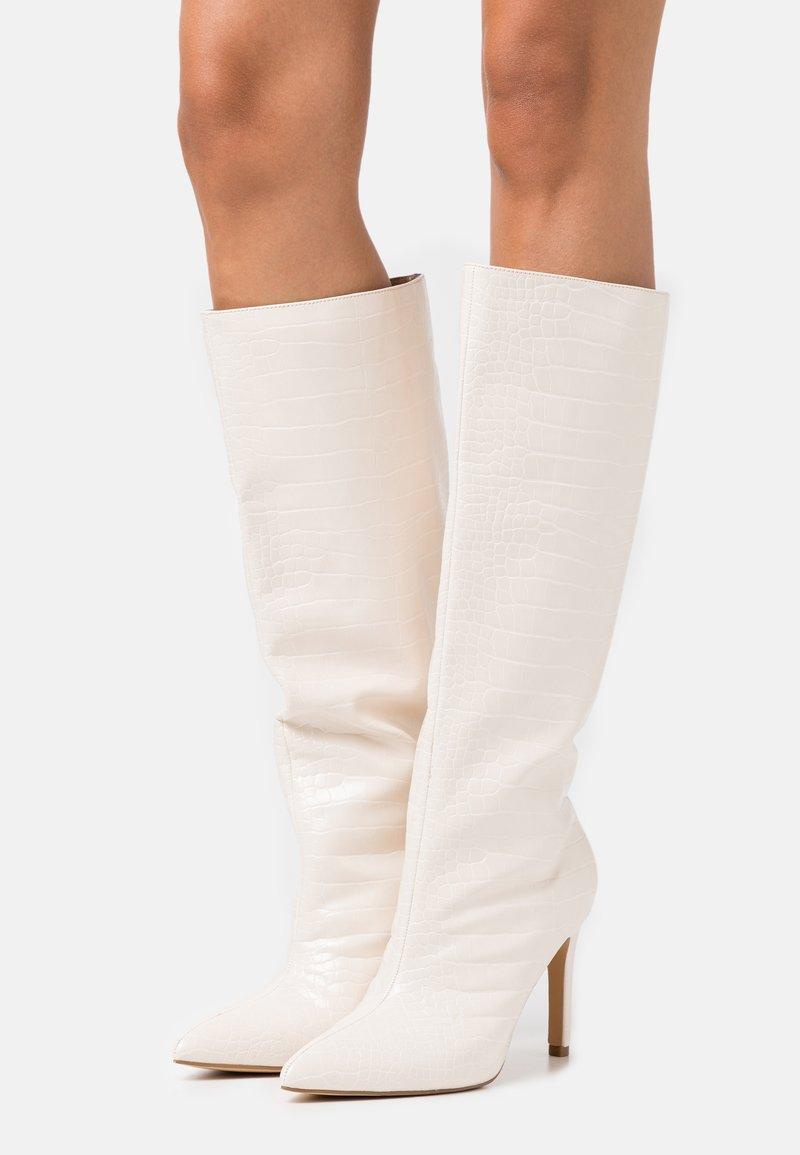 Missguided - CROC MID STILETOE TUBULAR BOOTS - High heeled boots - cream