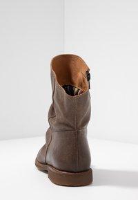 Felmini Wide Fit - CLASH - Classic ankle boots - zenia camel - 5