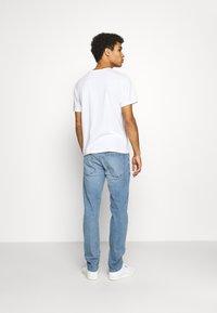 Burton Menswear London - SLIM JEAN - Slim fit jeans - blue - 2