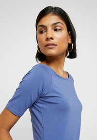Modström - TANSY  - Basic T-shirt - blue horizon - 3