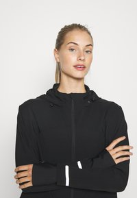 Sweaty Betty - FAST TRACK RUNNING - Chaqueta de deporte - black
