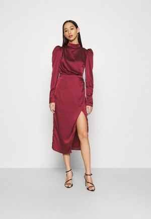 DRAPED WRAP MIDAXI DRESS WITH LONG SLEEVES HIGH NECK AND FRONT - Cocktail dress / Party dress - wine