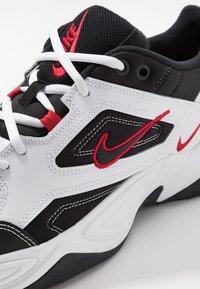 Nike Sportswear - M2K TEKNO - Baskets basses - white/black/university red - 5