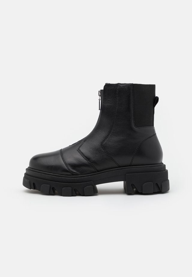 ARCHIE ZIP FRONT CHUNKY - Platform ankle boots - black