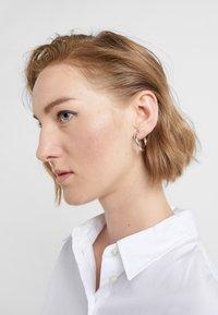 Maria Black - RUBY HOOP EARRING - Náušnice - silver-coloured - 1