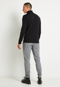 Only & Sons - ONSMICHAN SLIM ROLLNECK TEE - Maglietta a manica lunga - black - 3