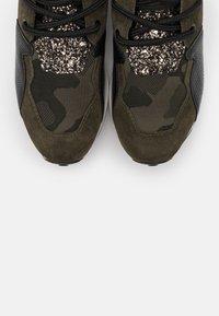 Steve Madden - CLIFF - Sneakers - black/olive - 5