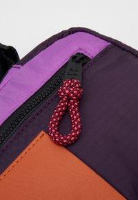 Paul Smith - WOMEN BAG CROSS BODY - Taška spříčným popruhem - purple - 3