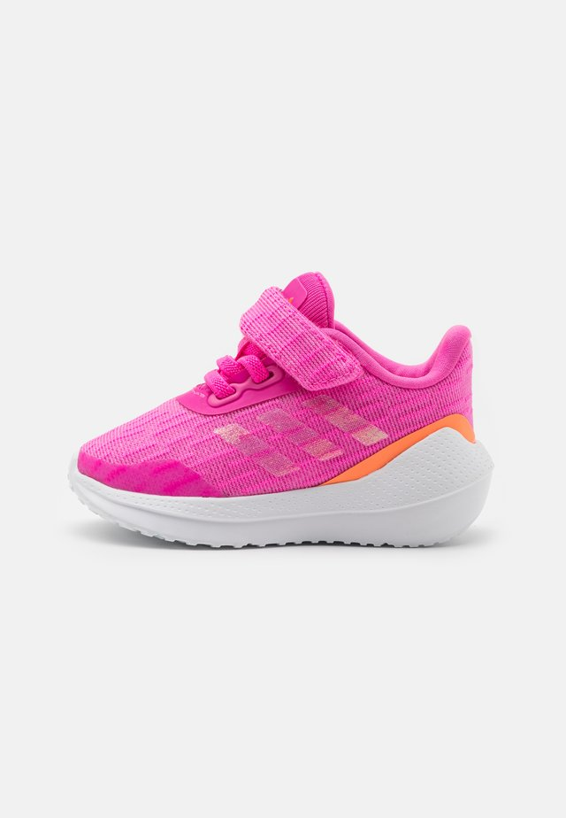 EQ21 RUN UNISEX - Neutral running shoes - screaming pink/screaming orange/footwear white