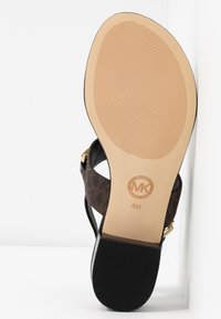 MICHAEL Michael Kors - CHARLTON - T-bar sandals - black/brown - 6