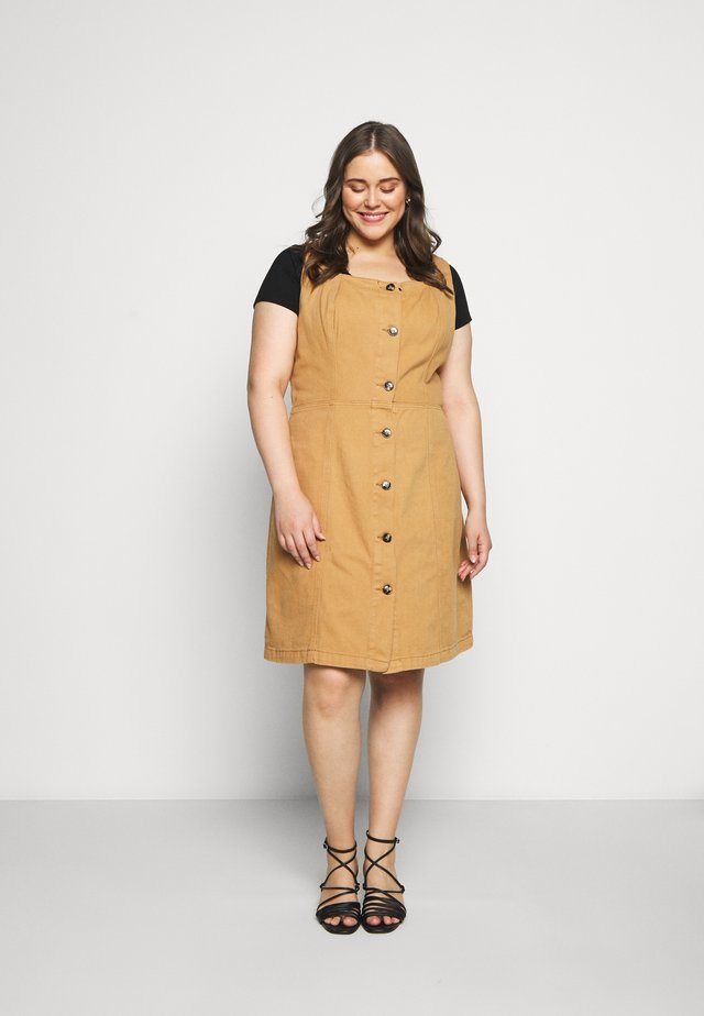 PINNY DRESS - Denim dress - tobacco