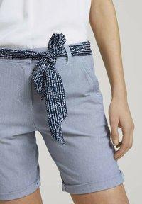 TOM TAILOR - Shorts - navy thin stripe - 5