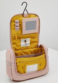 Lässig - MINI WASHBAG ADVENTURE KULTURBEUTEL - Handbag - rosa - 5