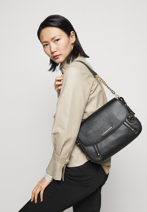 BEDFORD FLAP - Handbag - black