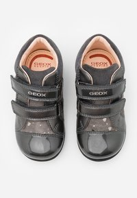 Geox - KAYTAN - Baby shoes - dark grey - 3