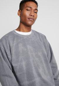 Topman - UNISEX ZURICH PUFF  - Sweatshirt - grey - 3