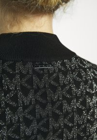 MICHAEL Michael Kors - HALF ZIP - Svetr - black/silver - 5