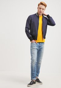 James Perse - CREW - T-shirts basic - yellow - 1