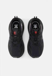 adidas Originals - ZX 2K EL I UNISEX - Zapatillas - core black/footwear white - 3