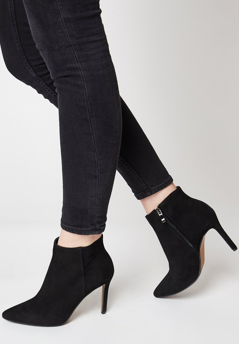 faina - Ankle boots - schwarz velour