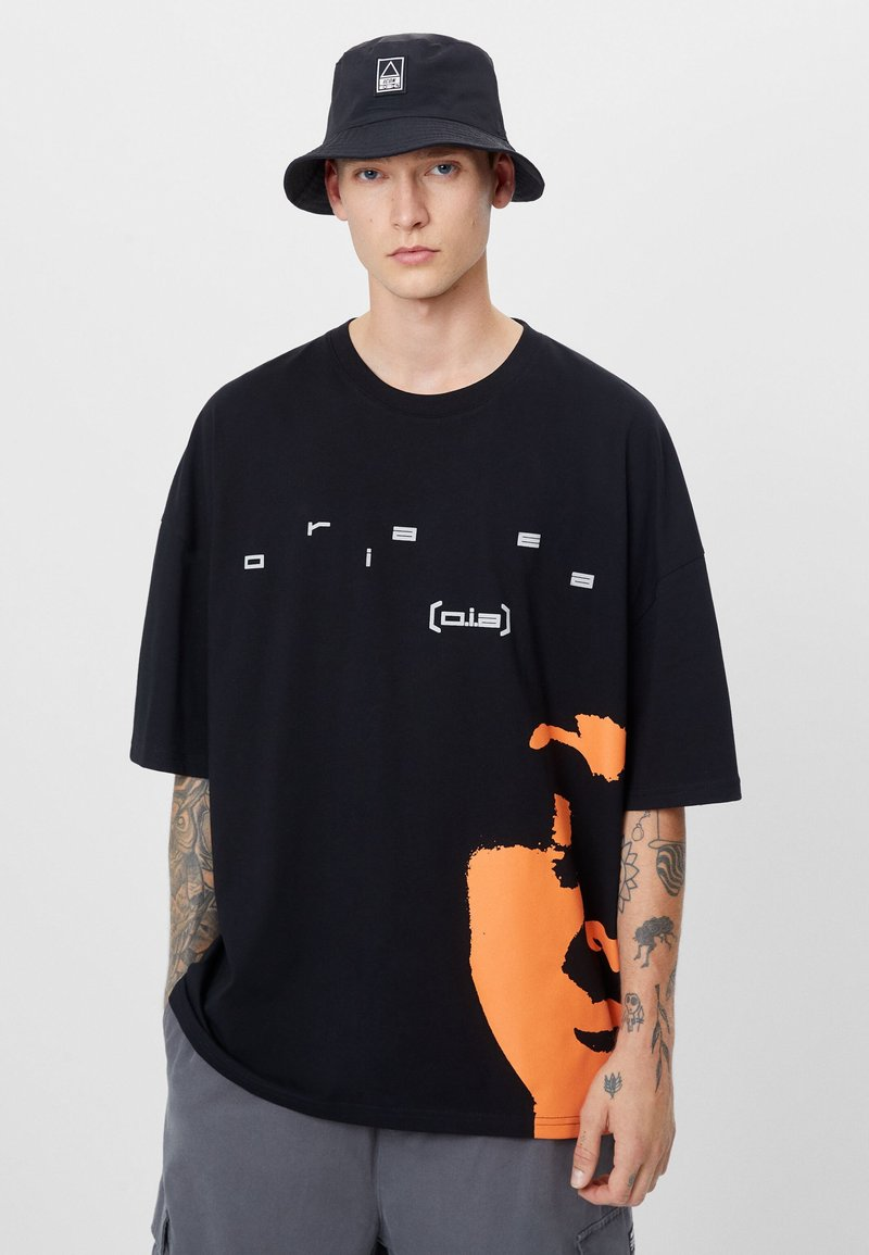Bershka - T-shirt con stampa - black