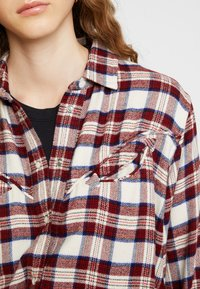 Levi's® - DORI WESTERN SHIRT - Button-down blouse - patridge herringbone_v2 sandshell - 5