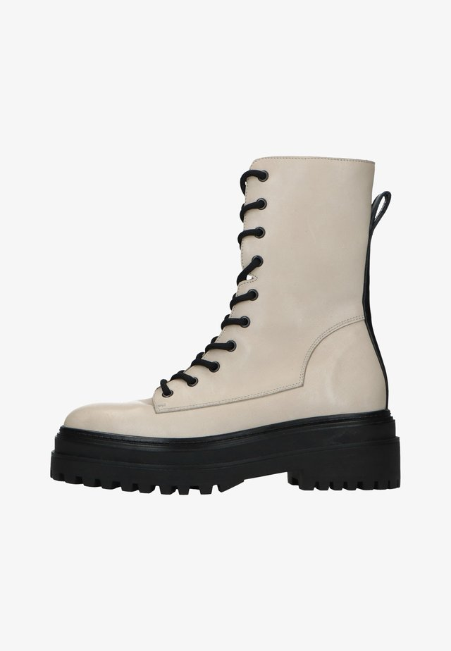 Platform ankle boots - off-white