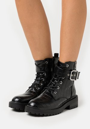 BEAM LACE UP CHUNKY - Cowboy/biker ankle boot - black