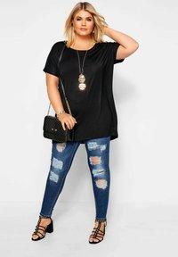 Yours Clothing - Basic T-shirt - black - 1