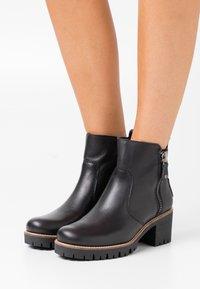 Panama Jack - PAULINE TRAVELLING - Ankle boots - black - 0