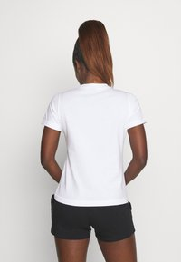 Champion - CREWNECK ROCHESTER - Camiseta estampada - white - 2