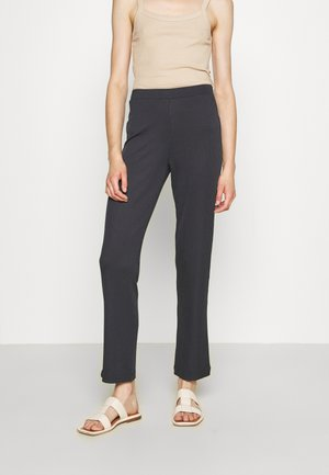 RACK - Tracksuit bottoms - pinecone